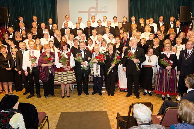 http://www.eesti.ca/movies/2011/koorid.jpg