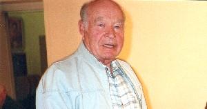 Üks sünnipäevalastest, Endel Klav oma elulugu jutustamas. Foto: H. Oja - pics/2005/11503_2.jpg