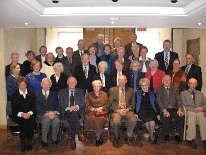 Bibliograafia Klubi liikmed ja külalised Eesti Vabariigi 88. aastapäeva  tähistamisel. - pics/2006/12740_1.jpg