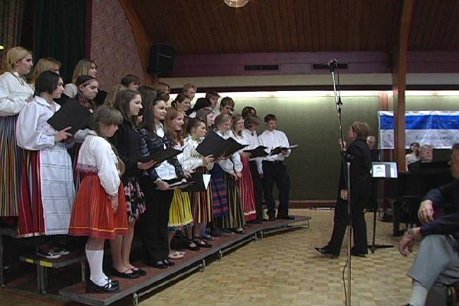 T.E.S. Täienduskoolide koor - pics/2006/12984_29.jpg