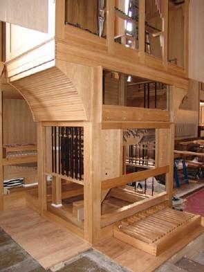 Sellel pildil on Jaani kiriku koorioreli ehitus alles pooleli.  Foto: Jaani Koguduse võrgulehelt - pics/2006/12988_3.jpg