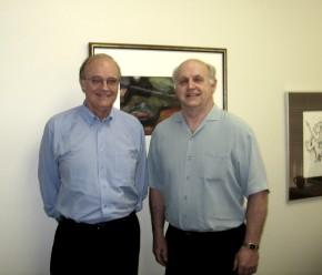 Eesti Majandusklubi Kanadas asepresident Jaan Arro (vas.) ja president Uno Jaason.   Foto: EP - pics/2006/13442_5.jpg
