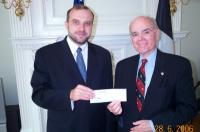 Estonian Ambassador Jüri Luik presents check of $5000 from government of Estonia to Lee Edwards on June 28, 2006. - pics/2006/13846_3_t.jpg