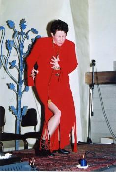 Kirile Loo oma teise plaadi esitlusel Tallinnas Kloostri aidas. - pics/2006/13936_7.jpg
