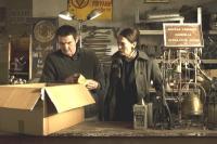 Stseen filmist: näitlejad Elle Kull ja Markku Peltola. Foto: Film Tower  Kuubis.  - pics/2006/14286_14_t.jpg
