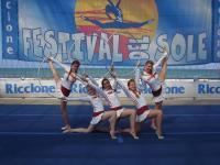 Alumnae Eliit-rühm esinemas Itaalias Festival Del Sole rahvusvahelisel võimlemisfestivalil. - pics/2006/14832_5_t.jpg