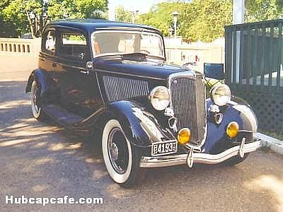 This 1934 Ford Victoria is in a lot better shape than the author's first ever automobile, the only similarity is in the appearance.  - pics/2007/09/17712_1.jpg