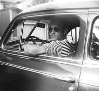 The author at the wheel of his father's automobile.   Photo: Plaks family archives - pics/2007/10/17875_1_t.jpg