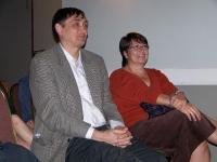 Mart Pikkov, estdocsi korraldaja ja Silvi Verder, koolijuhataja - pics/2007/10/17922_1_t.jpg