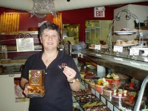 Ben Stellino tutvustab Xocai shokolaadi ja räägib selle tervislikest omadustest. Foto: K. Tensuda   - pics/2007/10/17960_1_t.jpg