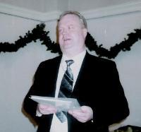 Õpetaja Kalle Kadakas jõuluteemalist ettekannet pidamas. Foto: E. Purje - pics/2007/12/18532_1_t.jpg