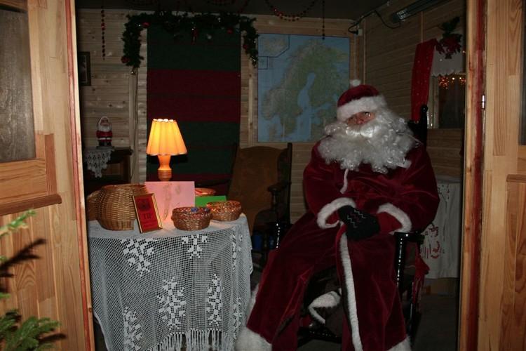 - pics/2007/12/jouludeestis/25.jpg