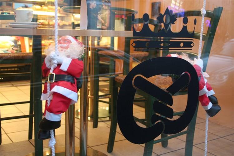 - pics/2007/12/jouludeestis/3.jpg