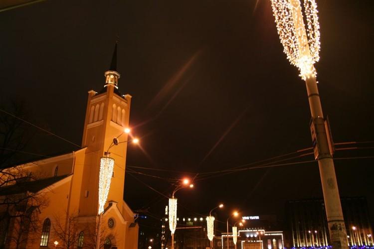 - pics/2007/12/jouludeestis/45.jpg