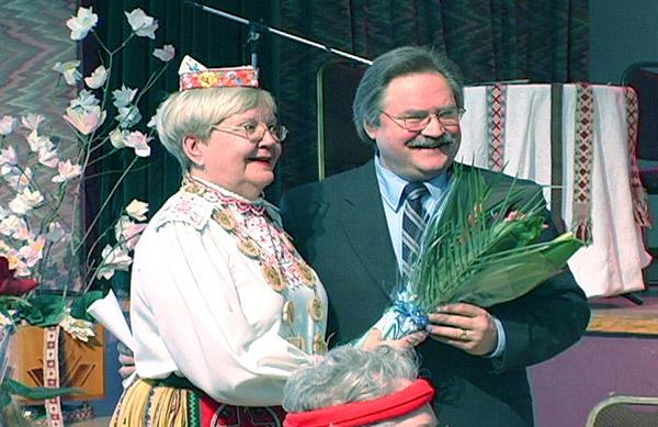 Maakondliku Esinduskogu esinaine Anne Orunuk ja Avo Kittask      - pics/2007/15786_6.jpg