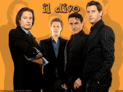 Il Divo (vas.): Urs Bühler, David Miller, Carlos Marin ja  Sébastien  Izambard.  - pics/2007/15932_1_t.jpg