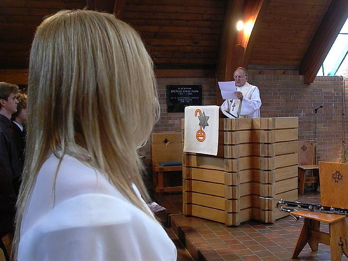 E.E.L.K. peapiiskop electus Andres Taul loeb ette Eesti peapiiskopi eestpalve traagiliste sündmuste kohta Eestis. - pics/2007/16281_33.jpg