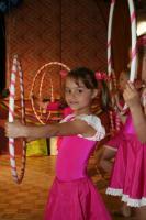 Tiia Neges tantsimas lasteaia emadepäeva aktusel - pics/2007/16385_1_t.jpg