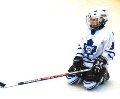 Hokipoiss Olev Kork Maple Leaf'ide vormis.  Foto: erakogust - pics/2007/16766_1_t.jpg