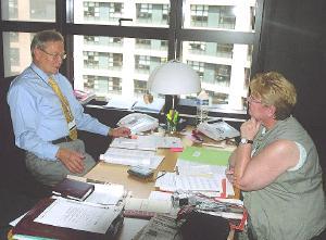 Aino Siebert intervjueerimas Tunne Kelamit.  Foto: W. Siebert - pics/2007/16777_1.jpg