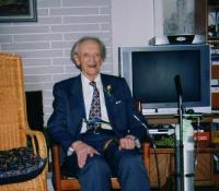 Dr. Endel Aruja oma 96. sünnipäeval 5. juulil 2007 oma kodus Don Mills¹is. Foto: Aino Müllerbeck - pics/2007/17012_2_t.jpg