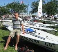 Karl Martin Rammo and his Laser sailboat on land.   Photo: Eva Eichenbaum Barnes - pics/2007/17030_1_t.jpg