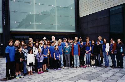 Meie grupp Tallinnas KUMU ees. - pics/2007/17450_2_t.jpg