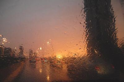Südalinna õhtupäike ja vihm - pics/2007/17539_1_t.jpg