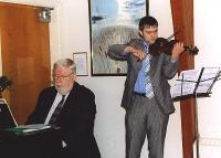 Viiulipala esitas Kristjan Nõlvak Ch. Kipperi klaverisaatel.  Foto: I. Lillevars.     - pics/2008/01/18782_2_t.jpg