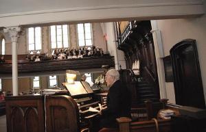 Toronto ühendkoor. Orelil maestro Roman Toi - pics/2008/01/18848_1_t.jpg
