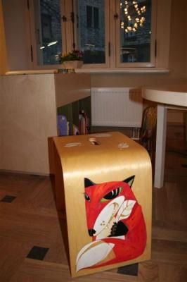 Keskuse taburette kaunistavad eesti kunstnike originaallooming. Igaüks on ainulaadne. - pics/2008/02/18916_11_t.jpg