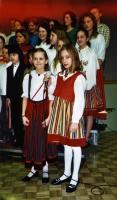 """Helena Stahl ja Nicole Pede olid solistideks R. Eespere """"Ärkamise aega""""  lauldes. - pics/2008/02/19122_2_t.jpg"""