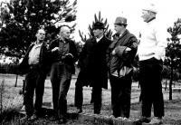 Muskoka Loppeti kavandajad maastikul Port Sydney lähedal aastal 1969. Paremalt teine Lembit Joselin.   - pics/2008/03/19374_1_t.jpg