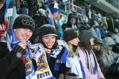 Ameerika-eestlaste kohalikud sõbrad Lauri Didrichson, Alis Raudsepp ja Karmen Adel. - pics/2008/03/19442_14_t.jpg