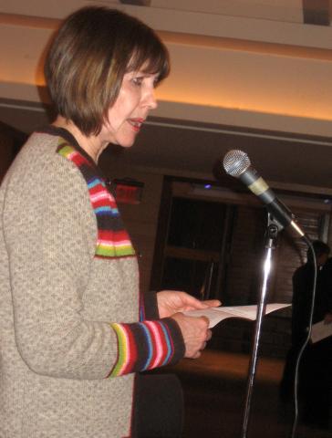 Helle Arro räägib Peetri tegevusest Eesti Etnograafilises Ringis Kanadas - pics/2008/03/19447_6.jpg