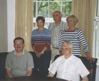2002.a. kuulus Reet Toronto sõpruslinna Tallinna külastanud delegatsiooni,  millest on toredad mälestused. Ees vas. Chris Korwin-Kuczinski, Paavo Loosberg, taga Reet Lindau-Voksepp, Toivo Hiir (Ý), Aino Uus.   - pics/2008/03/19474_4_t.jpg
