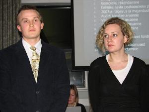 Kaks Artur ja Salme Ekbaumi fondi tänavust stipendiumi saajat Erika Kivik ja Vello Keelmann. - pics/2008/04/19551_3_t.jpg
