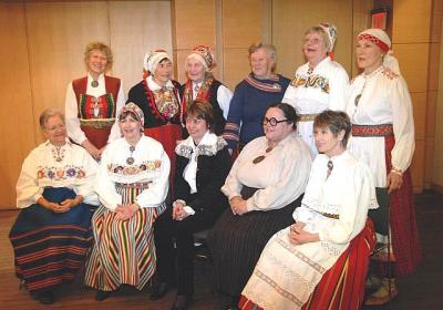 Eesti Etnograafia ring Kanadas keskel Eesti Rahvamuuseumi rahvariide uurija Reet Piiri - pics/2008/04/19645_14_t.jpg