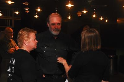 Õhtu korraldajad estdocs juhatusest Kati Otsa, Peeter Piil ja Ellen Valter. - pics/2008/04/19679_13_t.jpg