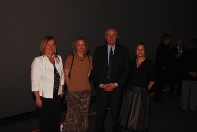 ESK esinaine Lia Hess, korraldaja Maimu Mölder, režissöör Jim Tusty, peakorraldaja ja estdocs esinaine Ellen Valter. Fotod: Lauri Kapp.  - pics/2008/04/19679_37_t.jpg