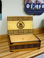 Jaak Järve valmistatud puupõletustehnikas kaunistatud kast. Foto: AR - pics/2008/05/19775_1_t.jpg