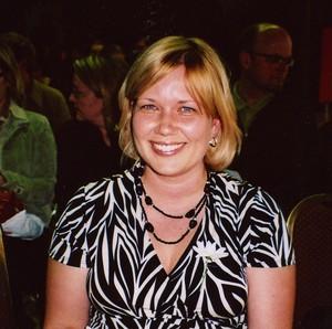 Aktusekõne pidas algkooli muusikaõpetaja Kaire Hartley. - pics/2008/05/19840_3.jpg