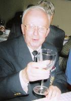 Klubi esimees Guido Toming on oma ülesande täitnud ja mõnuleb. Foto: E. Purje - pics/2008/05/19849_1_t.jpg