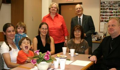 The Ottawa Estonian Society marked Mother's Day on Saturday May 10th with a church service at the Martin Luther German church conducted by pastor Kalle Kadakas followed by refreshments. From Left: Piia Rostenne, Johanna Rostenne, Joshua Rostenne, Liisa Kauri, Liisa Pent (standing), Tiiu Kauri (seated) Tiit Kauri, E.E.L.K. St. Andrew's pastor Kalle Kadakas. Photo: PB - pics/2008/05/19859_1_t.jpg