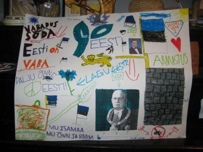 Pärast eesti õppetundi, mille viisid läbi skj Tenno Andra ja ngdr Liina Sarapik, valmistasid poisid sellise plakati. Foto: ngdr Liina Sarapik - pics/2008/05/19863_7_t.jpg