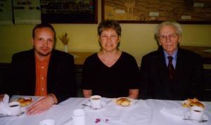 Õp. Arho Tuhkru, Rosemarie Lindau ja Juhan Laanes. Foto: P.R.      - pics/2008/05/19990_2_t.jpg