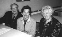 Vasakult: Elmar Pajo, Klarissa Pajo ja Evi Linderoos. Foto: P.R. - pics/2008/06/20055_2_t.jpg