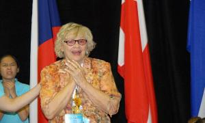 Evelyn Koop,           võistluste korraldaja. Iluvõimlemise Kanada Grand Lady - pics/2008/06/20145_1_t.jpg