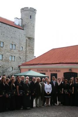 """Nüüd paistab Toompea lossi loode nurga väike Pilstickeri (""""nooleteritaja"""") torn. - pics/2008/07/20320_11_t.jpg"""