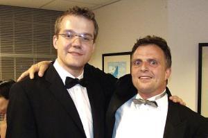 Dirigent Bruno Pointefert (par.)  ja pianist Hando Nahkur pärast õnnestunud kontserti.  - pics/2008/07/20415_1_t.jpg